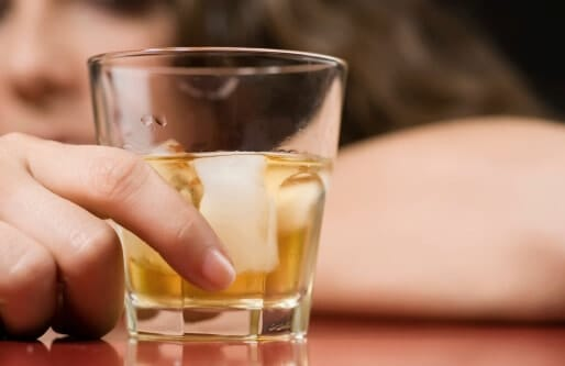 Are You an Alcoholic? 10 Warning Signs of Addiction