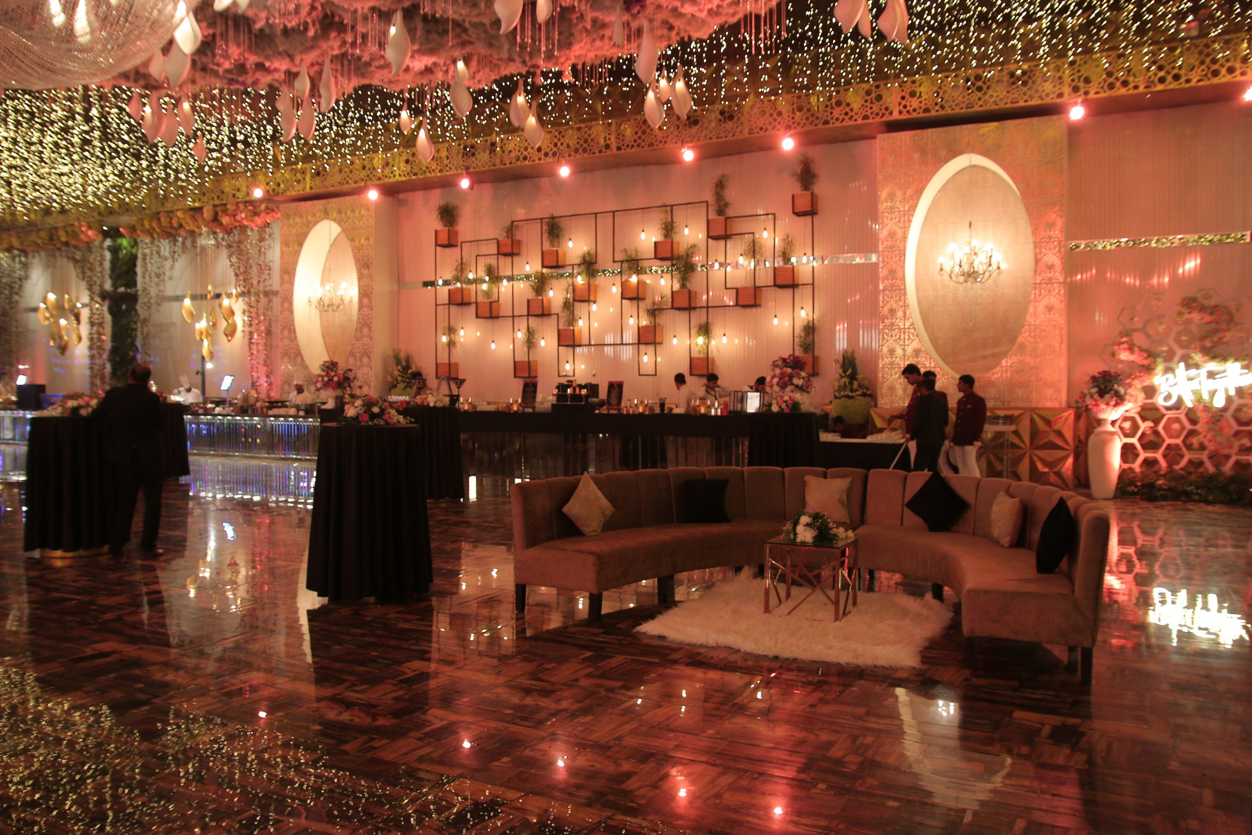 Landscaped Natural Locations for Wedding