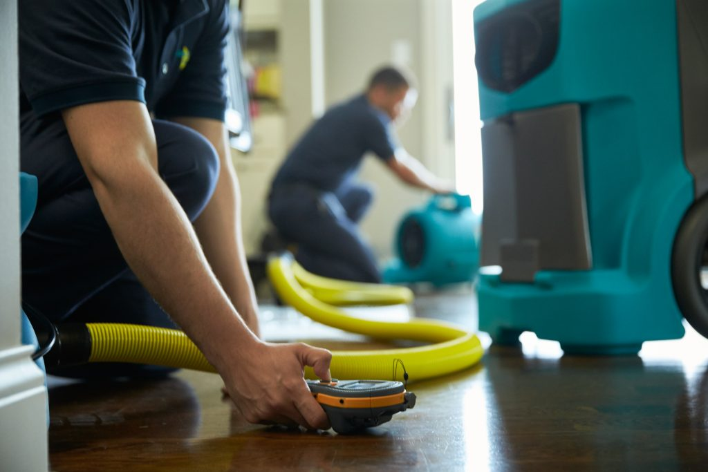 5 Services to Expect from Water Damage Restoration Company