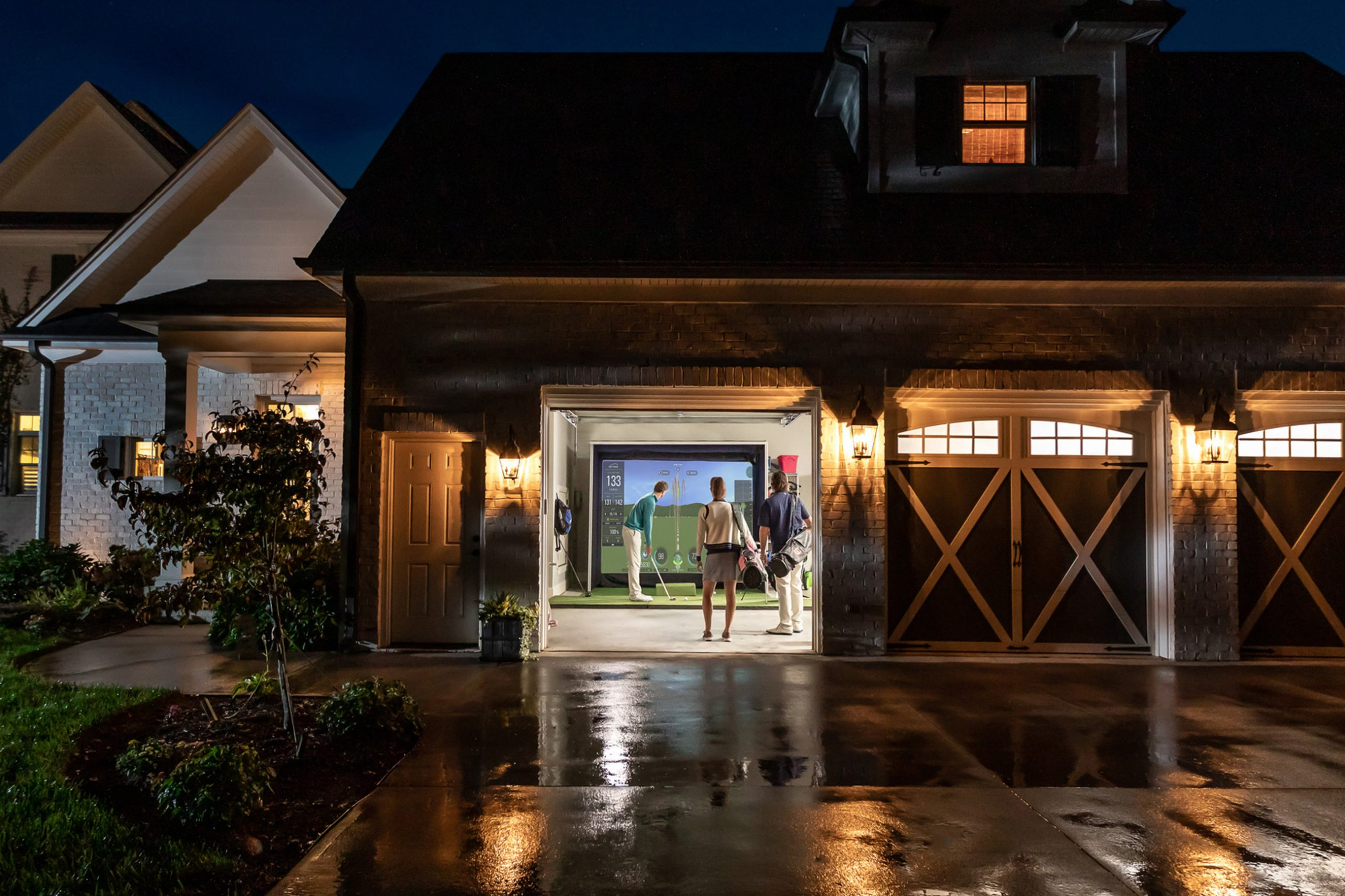 Here's Why You Should Have an Indoor Golf Set-Up at Home
