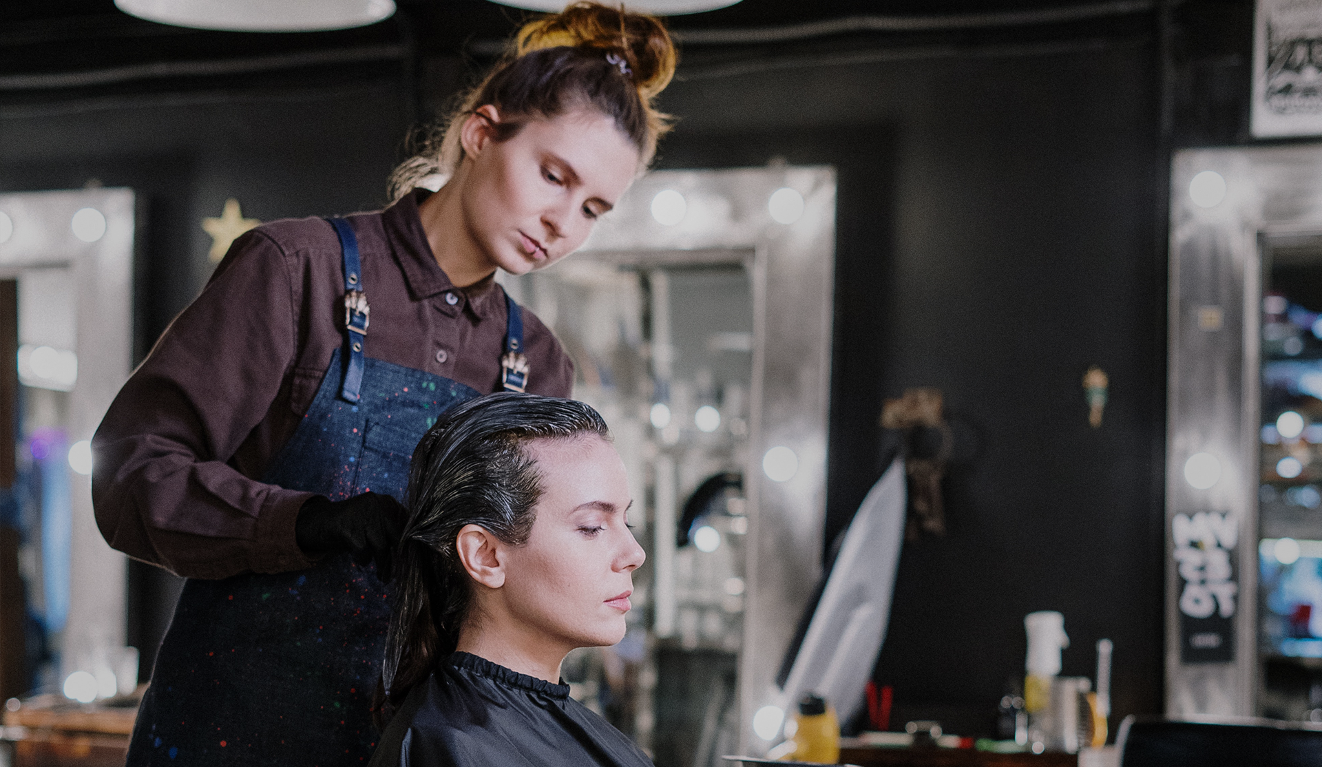Get your Networking Profiles strong with an Online Salon Booking System